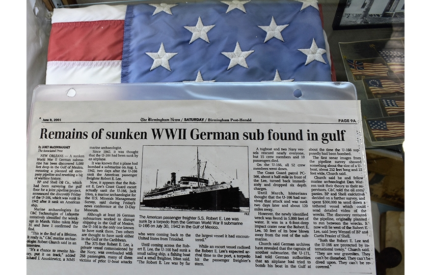 The Birmingham Post-Herald announces the discovery of the remains of the S.S. Robert E. Lee.