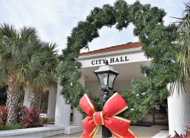 Christmas decorations at city hall